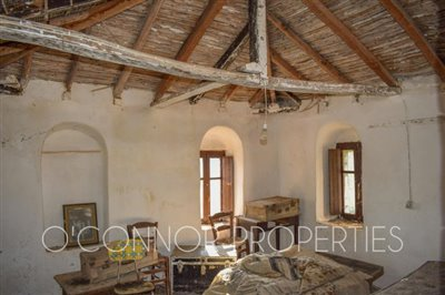 2-bed--traditional-old-stone-house-located-in-scenic-area--849---1-of-8-