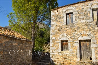 2-bed--traditional-old-stone-house-located-in-scenic-area--849---6-of-8-