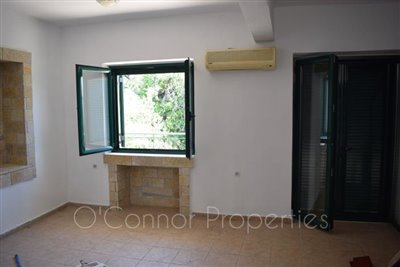 On-offer-3-bed-detached-house-located-in-picturesque-seaside-town--856-8