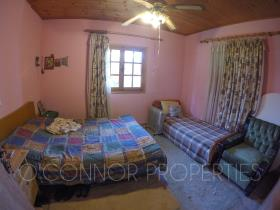 Image No.25-2 Bed Country House for sale