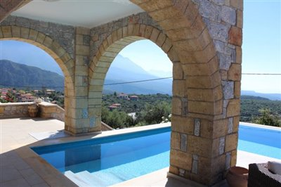 Amazing-3-bed-2-bath-stone-villa-with-sparkling-infinity-pool--set-on-4-000-sq-m--plot-of-land--892---10-