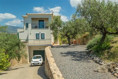 Modern-3-bed-3-bath-villa-set-in-1100-m2-of-plot---only-a-15-min-walk-to-Sandova-beach--890---1-