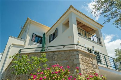 Modern-3-bed-3-bath-villa-set-in-1100-m2-of-plot---only-a-15-min-walk-to-Sandova-beach--890---2-