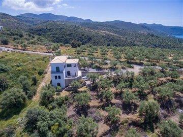 Modern-3-bed-3-bath-villa-set-in-1100-m2-of-plot---only-a-15-min-walk-to-Sandova-beach--890---4-