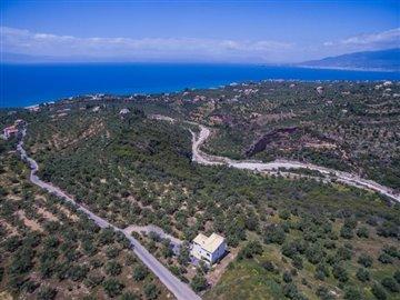 Modern-3-bed-3-bath-villa-set-in-1100-m2-of-plot---only-a-15-min-walk-to-Sandova-beach--890---6-