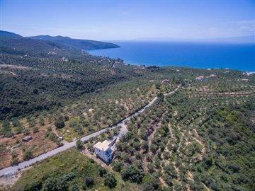 Modern-3-bed-3-bath-villa-set-in-1100-m2-of-plot---only-a-15-min-walk-to-Sandova-beach--890---5-