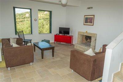 Modern-3-bed-3-bath-villa-set-in-1100-m2-of-plot---only-a-15-min-walk-to-Sandova-beach--890---9-