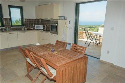 Modern-3-bed-3-bath-villa-set-in-1100-m2-of-plot---only-a-15-min-walk-to-Sandova-beach--890---11-