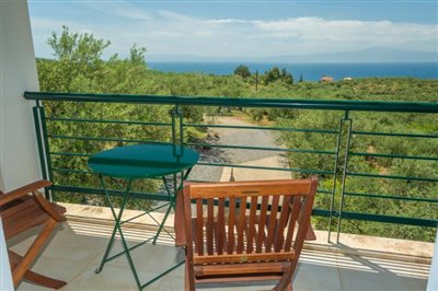 Modern-3-bed-3-bath-villa-set-in-1100-m2-of-plot---only-a-15-min-walk-to-Sandova-beach--890---19-