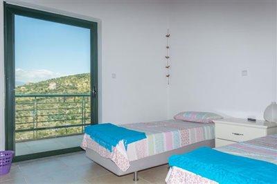 Modern-3-bed-3-bath-villa-set-in-1100-m2-of-plot---only-a-15-min-walk-to-Sandova-beach--890---20-
