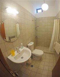 Modern-3-bed-3-bath-villa-set-in-1100-m2-of-plot---only-a-15-min-walk-to-Sandova-beach--890---27-