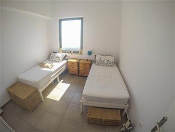 Unique-3-bed-1-bath-house-set-in-4022-m2-grounds--889---32-