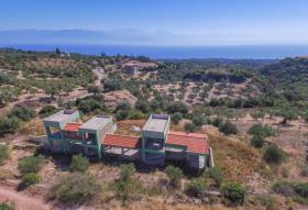 Image No.0-Villa de 5 chambres à vendre à Stoupa