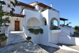 Image No.5-Maison de 6 chambres à vendre à Messinia
