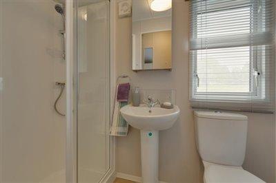 skye-shower-room