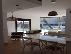 Image No.4-2 Bed Villa for sale