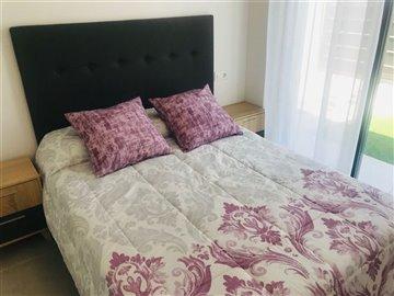 7-downstairs-bedroom