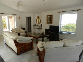 Image No.1-3 Bed Villa / Detached for sale