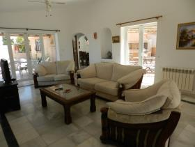 Image No.2-3 Bed Villa / Detached for sale