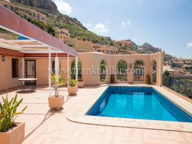 Image No.12-4 Bed Villa / Detached for sale