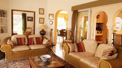 10--Lamu---Living-Room