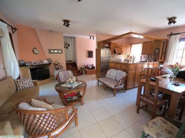 M1232_15_Living_room