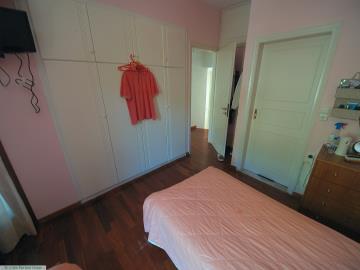 M1232_26_Bedroom_2