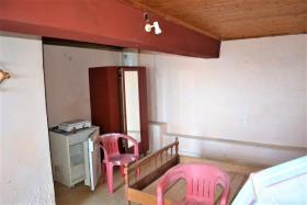 Image No.13-2 Bed House for sale