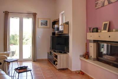 04-1721_Ktimatoemporiki-Seaview-House_in-Tavronitis-for-sale-4