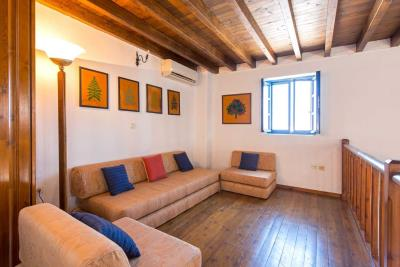 R4-2701_Traditional-House-for-sale-in-Rhodes-4