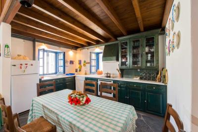 R4-2701_Traditional-House-for-sale-in-Rhodes-10