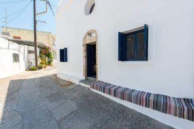 R4-2701_Traditional-House-for-sale-in-Rhodes-12