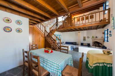 R4-2701_Traditional-House-for-sale-in-Rhodes-11