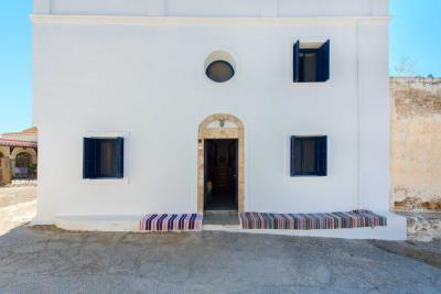 R4-2701_Traditional-House-for-sale-in-Rhodes-13