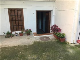 Image No.25-5 Bed Property for sale