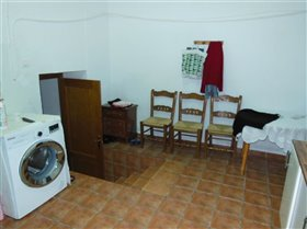Image No.17-5 Bed Property for sale