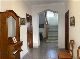 Image No.5-7 Bed Property for sale