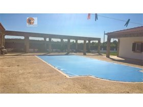 Image No.6-5 Bed House for sale