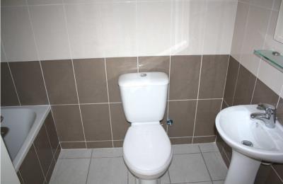 837-bathroom