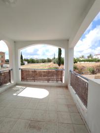 Anarita-Valley-balcony-2