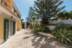 Image No.2-Villa de 4 chambres à vendre à Lagos