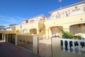 Image No.0-Maison de ville de 2 chambres à vendre à Orihuela Costa