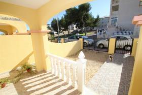 Image No.2-Maison de ville de 2 chambres à vendre à Orihuela Costa