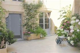 Monségur, Property