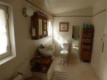 taylor-bathroom-2