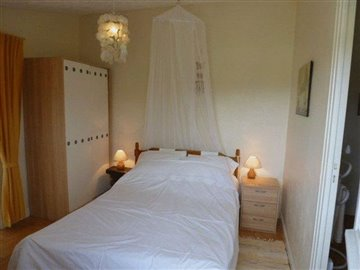 taylor-studio-bedroom