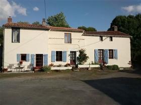 Saint-Aubin-le-Cloud, House