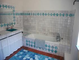 Image No.28-6 Bed House for sale