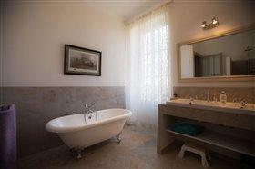 Image No.17-Maison de 8 chambres à vendre à Cazaugitat