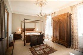 Image No.1-Maison de 8 chambres à vendre à Cazaugitat